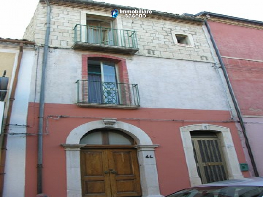 Town house for sale in Guardialfiera, Molise