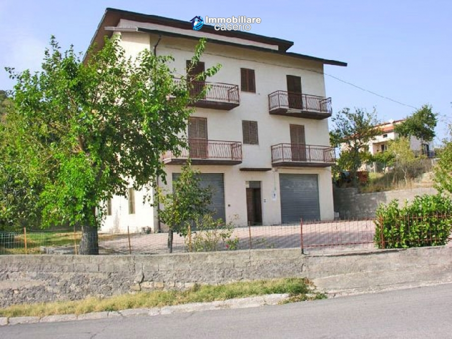 Lovely indipendent house in the town of Tornareccio, Chieti, Abruzzo