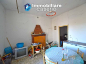 Country house to renovate on two floors with terrace and land for sale in Abruzzo 9