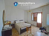 Country house to renovate on two floors with terrace and land for sale in Abruzzo 13