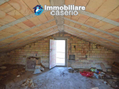Country house to renovate on two floors with terrace and land for sale in Abruzzo 18