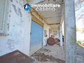 Country house to renovate on two floors with terrace and land for sale in Abruzzo 23