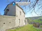 Country house to renovate on two floors with terrace and land for sale in Abruzzo 5