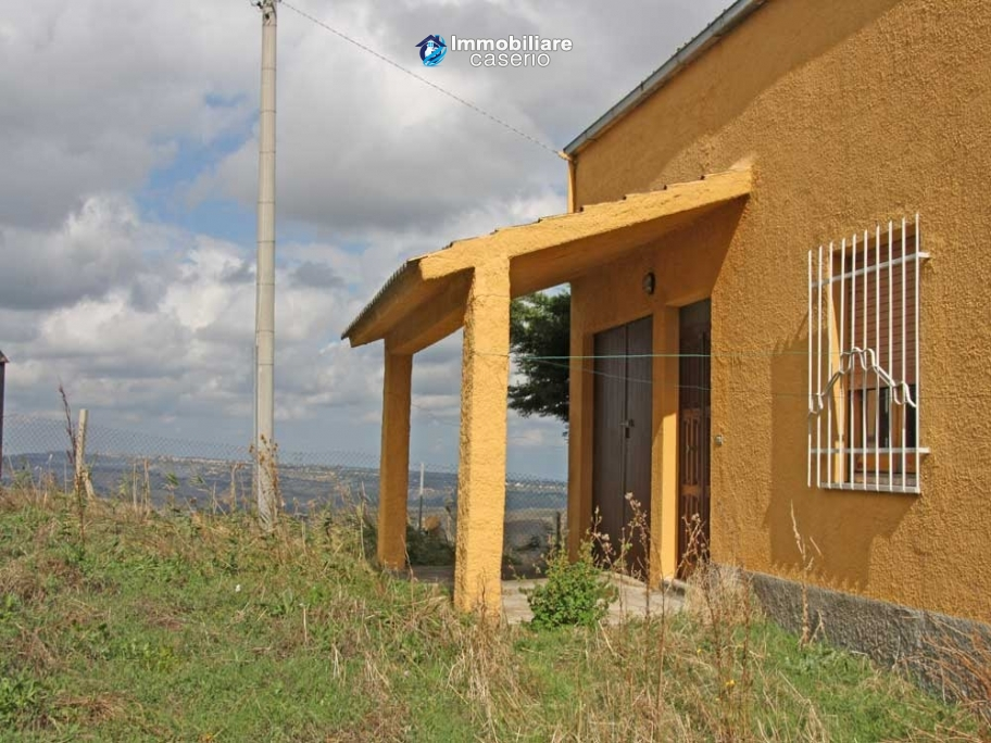 Country house for sale with land in Furci, Chieti, Abruzzo
