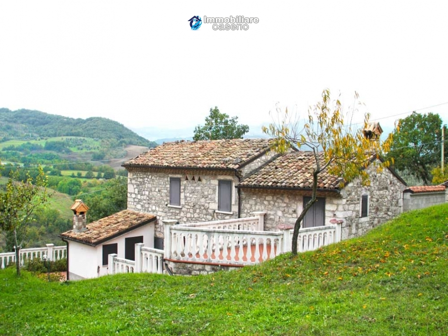 Indipendent stone house for sale in Bagnoli del Trigno, Isernia, Molise