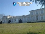 Valuable castle for sale in the Bordeaux area, France 1