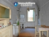 Spacious and character town house for sale near the sea in Pollutri, Abruzzo 5