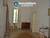 Spacious and character town house for sale near the sea in Pollutri, Abruzzo 8