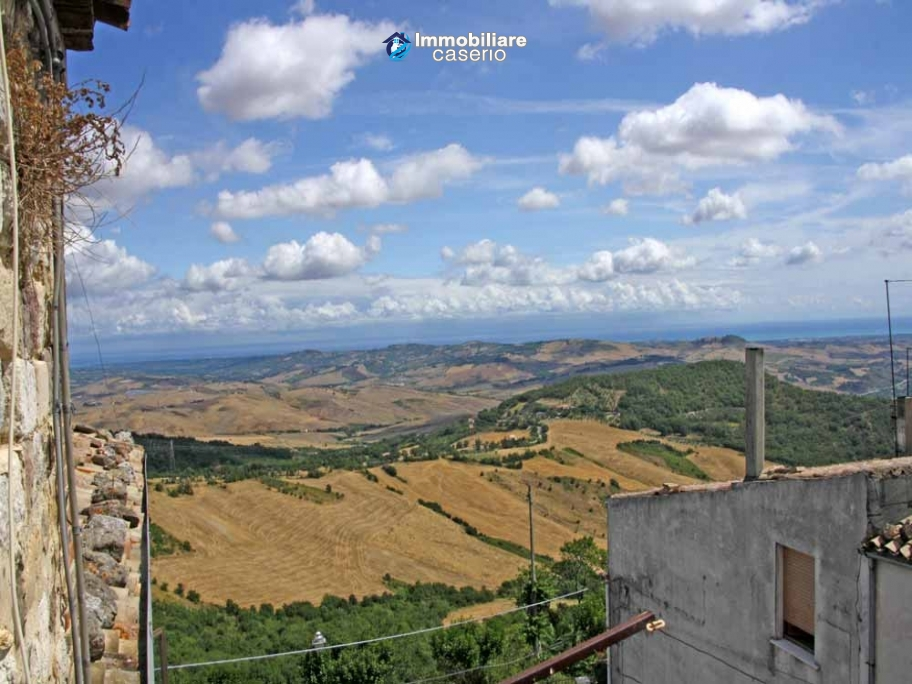 Town house for sale on three levels in Furci, Chieti, Abruzzo