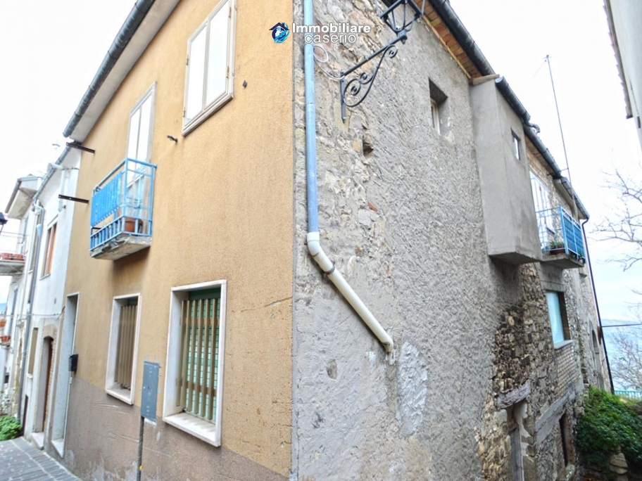 The property includes two houses for sale in Italy, Region Abruzzo - Village Guilmi