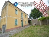 Detached house for sale with land in Roccaspinalveti, Abruzzo 1
