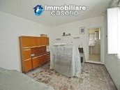 Detached house for sale with land in Roccaspinalveti, Abruzzo 4