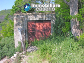 Habitable town house for sale with garden in Casalanguida, Chieti 12