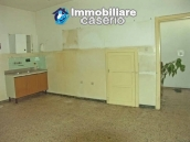 Imposing house for sale in the outskirts of Tornareccio, Abruzzo, Italy 4