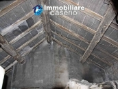 Town house for sale on one level in the centre of Tufillo, Chieti 10