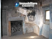 Town house for sale on one level in the centre of Tufillo, Chieti 2