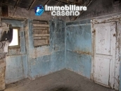 Town house for sale on one level in the centre of Tufillo, Chieti 5