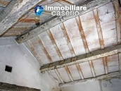 Town house for sale on one level in the centre of Tufillo, Chieti 8
