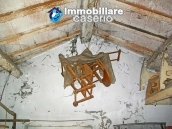 Town house for sale on one level in the centre of Tufillo, Chieti 9