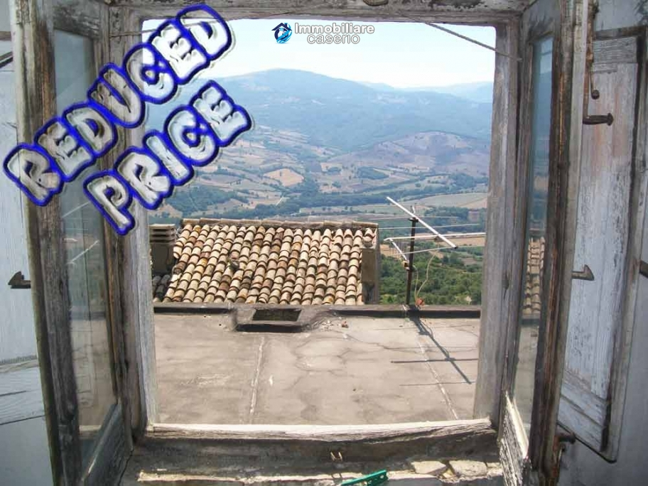 Town house for sale on one level in the centre of Tufillo, Chieti