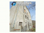 House with garden and cellars for sale in the Abruzzo region, precisely in Tufillo 10