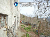House with garden and cellars for sale in the Abruzzo region, precisely in Tufillo 11
