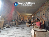 House with garden and cellars for sale in the Abruzzo region, precisely in Tufillo 18