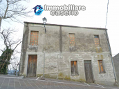 Town house on 4 levels located in Tufillo, in Abruzzo 2