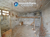 House with garden and cellars for sale in the Abruzzo region, precisely in Tufillo 8