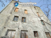 House with garden and cellars for sale in the Abruzzo region, precisely in Tufillo 9