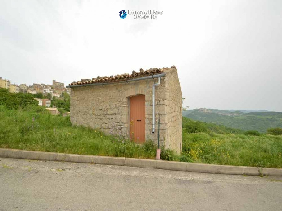 Agricultural land with stone house in Fraine, Chieti