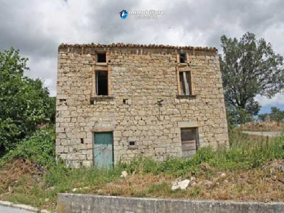 Two-storey country house in Fraine