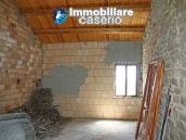 Stone house on two levels for sale in Fraine 4