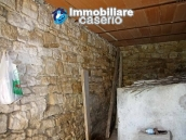 Stone house on two levels for sale in Fraine 8