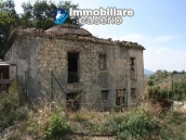 Country house with 30 hectares of land in Tufillo 1