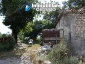 Country house with 30 hectares of land in Tufillo 2