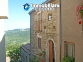 Stone town house with mountain views for sale in Fraine, Abruzzo, Italy 1
