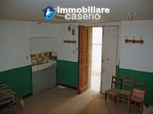Town house on three levels located in Guilmi, Chieti, Abruzzo 13