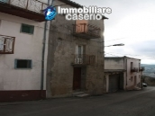 Town house on three levels located in Guilmi, Chieti, Abruzzo 2
