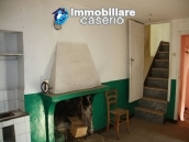 Town house on three levels located in Guilmi, Chieti, Abruzzo 5