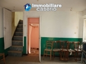 Town house on three levels located in Guilmi, Chieti, Abruzzo 6