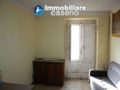 Town house on three levels located in Guilmi, Chieti, Abruzzo 8
