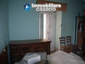 Town house on three levels located in Guilmi, Chieti, Abruzzo 9