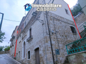 Town house on three levels in Castelbottaccio, Molise 1
