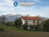 Country house in the green hills of Casoli 1