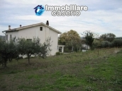 Country house in the green hills of Casoli 10