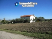 Country house in the green hills of Casoli 3