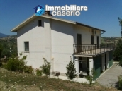 Country house in the green hills of Casoli 5