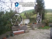 Country house in the green hills of Casoli 7