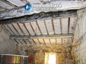 Semi-detached country house on two levels in Casalanguida 15